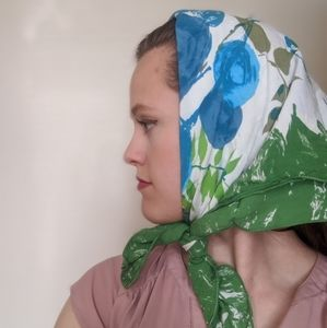 Vintage 50s/60 floral scarf blue white green scarf